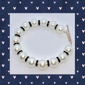 White Pearl and Black Rondelle Bracelet